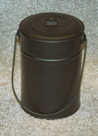 bucket-with-lid-3473146-sm.jpg