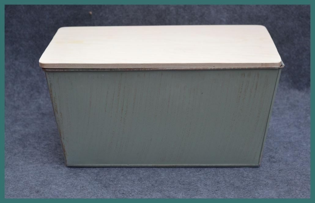 metal-rectagular-garden-bucket-backtma74391.jpg