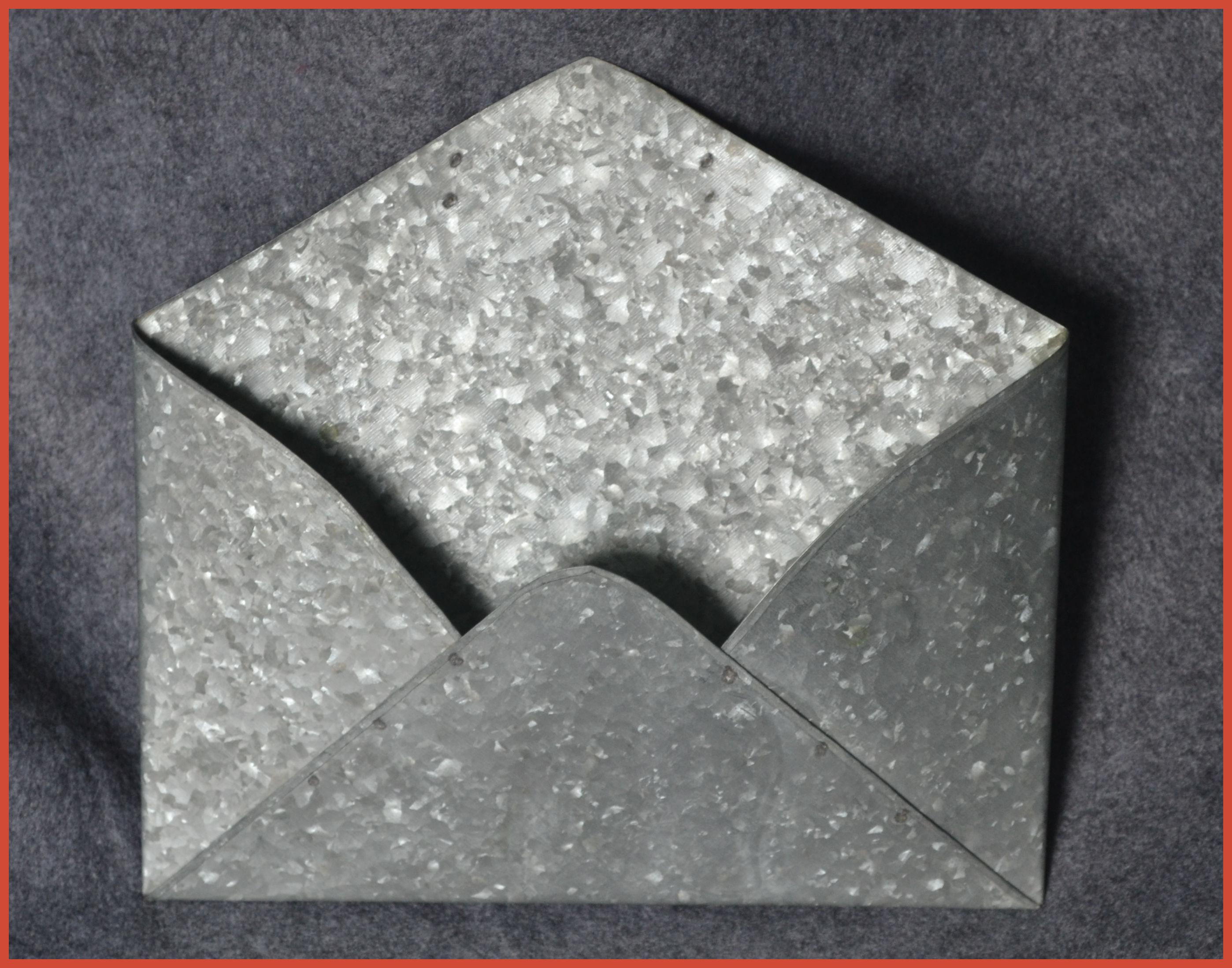 metal-tin-envelope-weathered-look-15t184.jpg