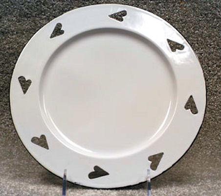 plate-enamel-plate-with-hearts-20137.jpg