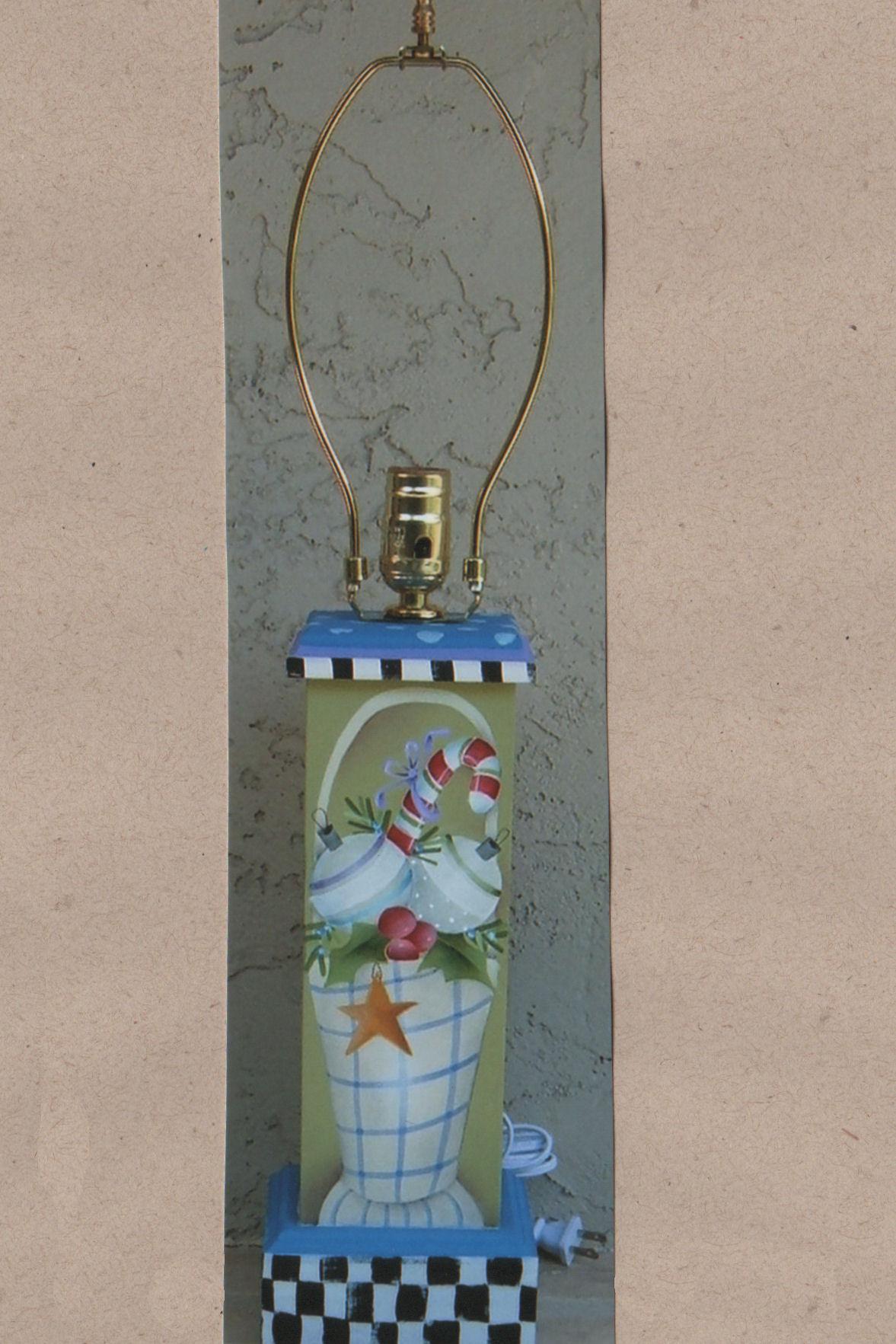 sr-seasonal-lamp-19180959-pix.jpg
