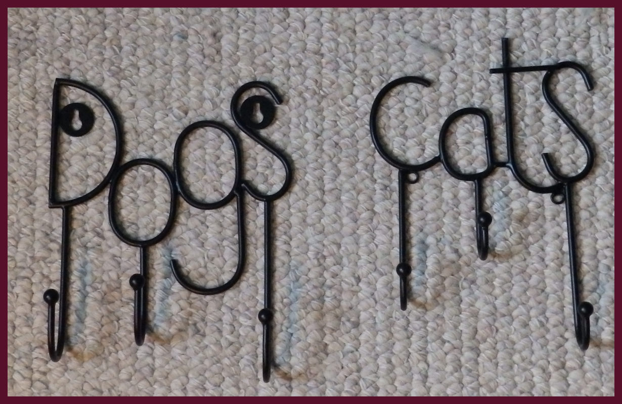 metal-dog-cat-triple-hanger-12404-12459.jpg