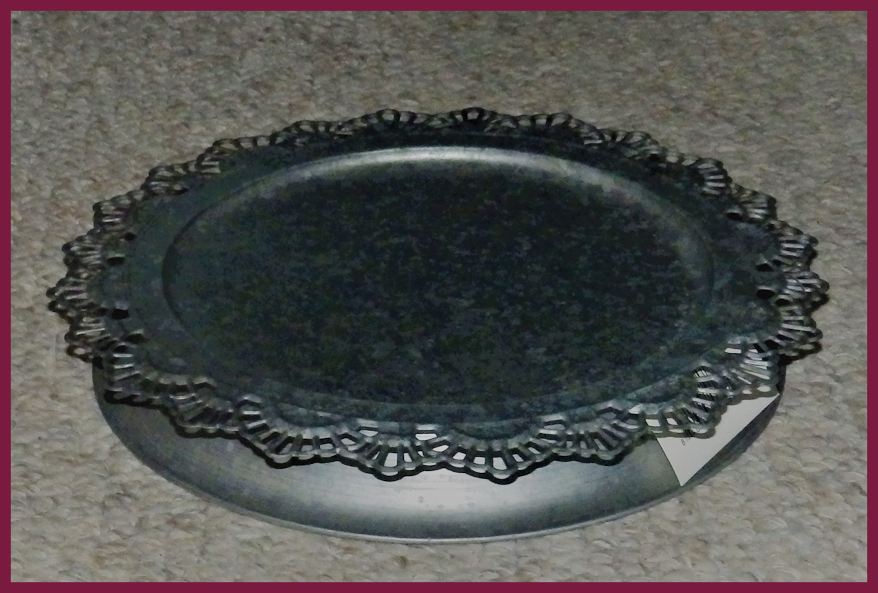 metal-tin-fancy-lace-plate-with-stand-xafjoc1801.jpg