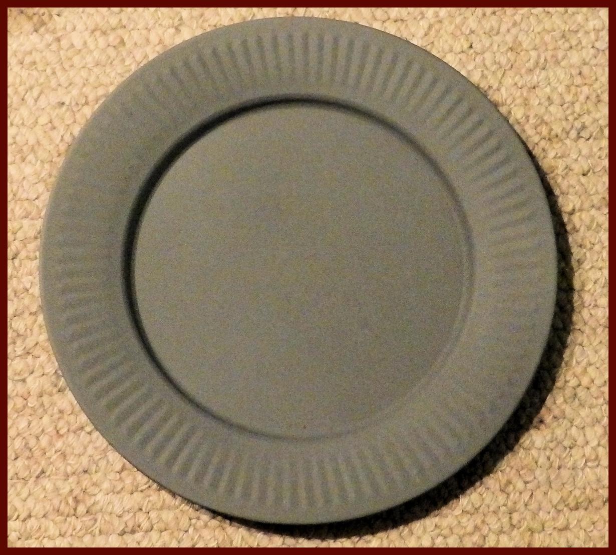 plate-13-inch-round-tin-plate-hx83098.jpg